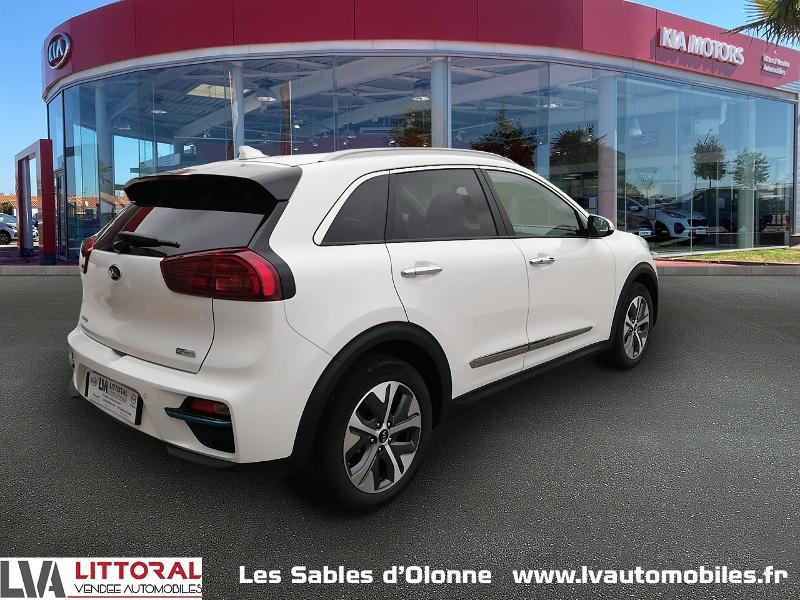 Photo 2 de l'offre de KIA e-Niro Premium 204ch à 35990€ chez Littoral Vendée Automobiles Le Château D'Olonne