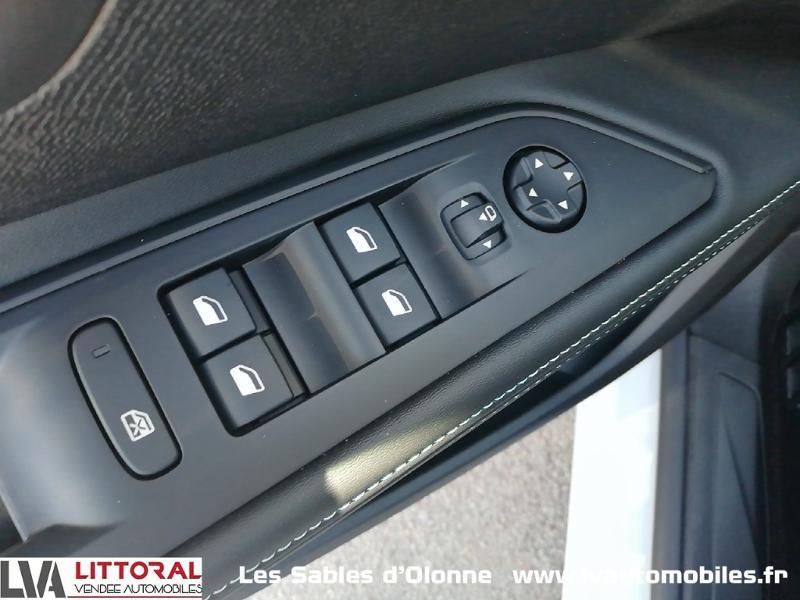 Photo 16 de l'offre de PEUGEOT 5008 1.5 BlueHDi 130ch E6.c Allure S&S EAT8 à 34990€ chez Littoral Vendée Automobiles Le Château D'Olonne