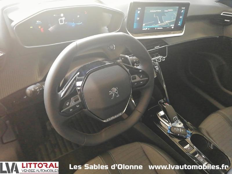 Photo 4 de l'offre de PEUGEOT 2008 1.2 PureTech 130ch S&S Allure Pack EAT8 à 27990€ chez Littoral Vendée Automobiles Le Château D'Olonne