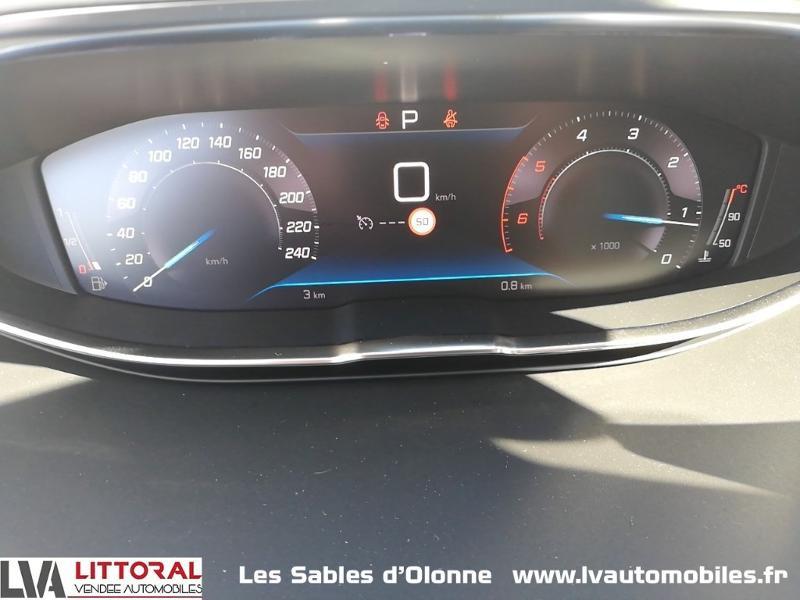 Photo 17 de l'offre de PEUGEOT 5008 1.5 BlueHDi 130ch E6.c Allure S&S EAT8 à 34990€ chez Littoral Vendée Automobiles Le Château D'Olonne