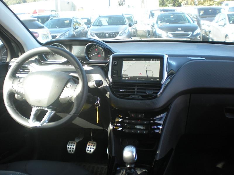 Photo 10 de l'offre de PEUGEOT 2008 1.2 PURETECH 130CH E6.C CROSSWAY S&S à 17900€ chez Brignais automobiles