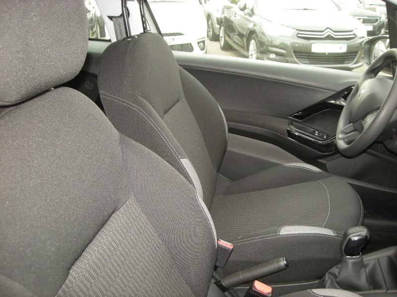 Photo 8 de l'offre de PEUGEOT 208 1.6 BLUEHDI 75CH ACTIVE 3P à 9900€ chez Brignais automobiles