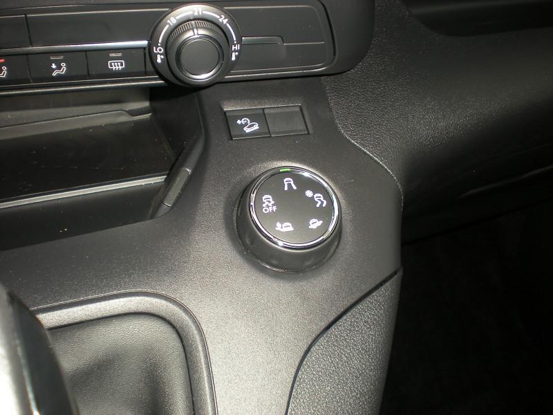 Photo 13 de l'offre de PEUGEOT RIFTER BLUEHDI 100CH STANDARD ACTIVE à 21900€ chez Brignais automobiles