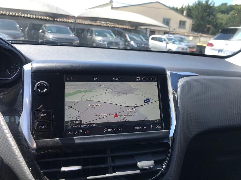 Photo 10 de l'offre de PEUGEOT 208 1.6 BLUEHDI 75CH STYLE 5P à 11900€ chez Brignais automobiles