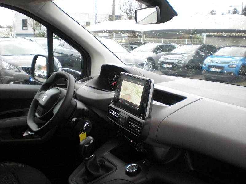 Photo 7 de l'offre de PEUGEOT RIFTER BLUEHDI 100CH STANDARD ACTIVE à 21900€ chez Brignais automobiles