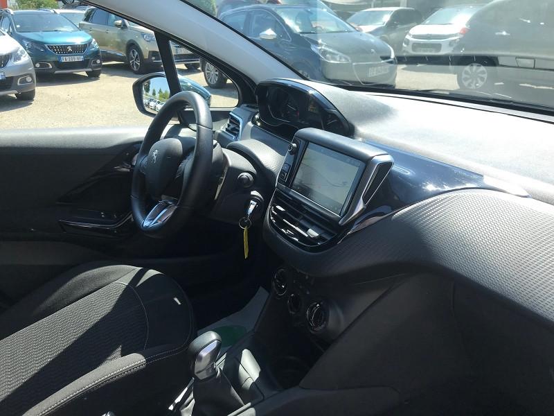 Photo 6 de l'offre de PEUGEOT 208 1.6 BLUEHDI 75CH STYLE 5P à 11900€ chez Brignais automobiles