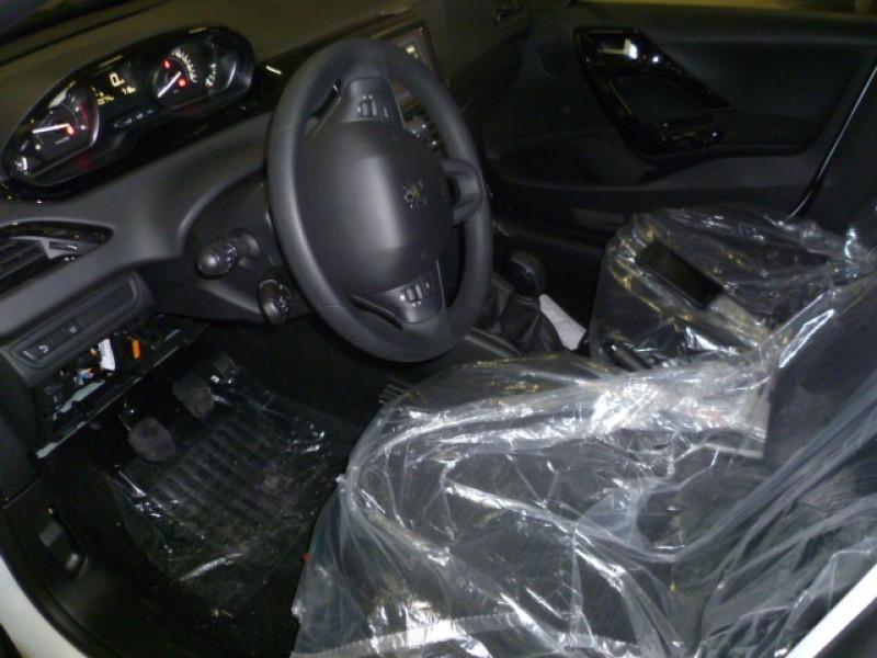 Photo 5 de l'offre de PEUGEOT 208 AFFAIRE 1.5 BLUEHDI 100CH S&S PREMIUM PACK à 15000€ chez Brignais automobiles