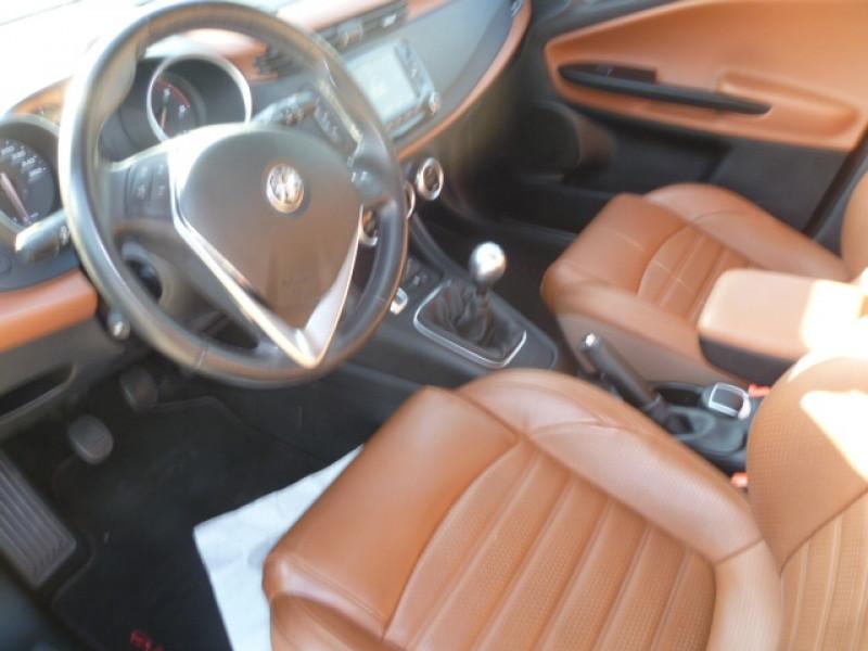 Photo 5 de l'offre de ALFA ROMEO GIULIETTA DERIVP  2.0 JTDM 150CH SUPER STOP&START à 11900€ chez Brignais automobiles