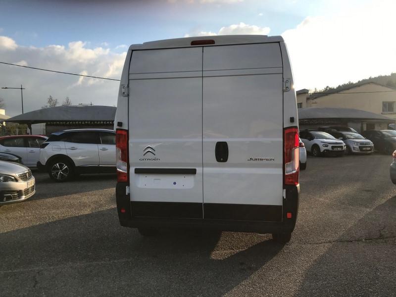 Photo 5 de l'offre de CITROEN JUMPER FG 35 L1H2 2.2 BLUEHDI 140 S&S CONTROL à 25080€ chez Brignais automobiles