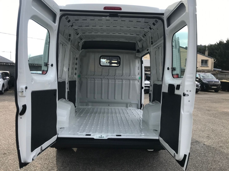 Photo 10 de l'offre de CITROEN JUMPER FG 35 L1H2 2.2 BLUEHDI 140 S&S CONTROL à 25080€ chez Brignais automobiles