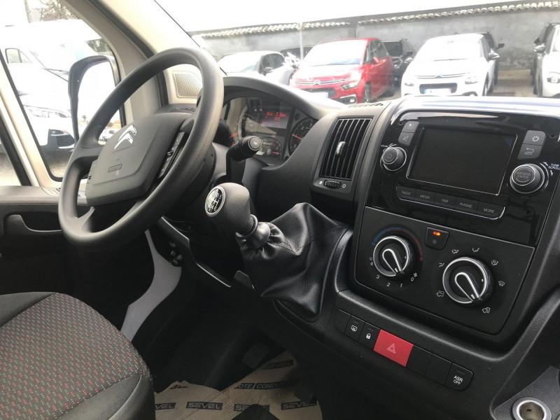 Photo 9 de l'offre de CITROEN JUMPER FG 35 L2H2 2.2 BLUEHDI 120 S&S VITRE CONTROL à 24600€ chez Brignais automobiles
