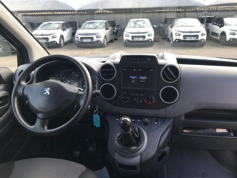 Photo 10 de l'offre de PEUGEOT PARTNER LONG 1.6 BLUEHDI 100CH CABINE APPROFONDIE PRO à 13400€ chez Brignais automobiles