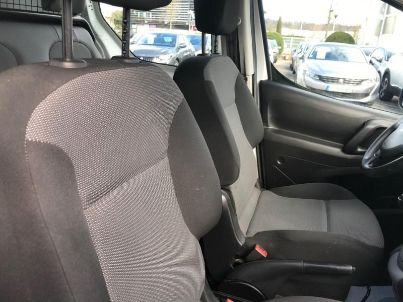 Photo 8 de l'offre de PEUGEOT PARTNER LONG 1.6 BLUEHDI 100CH CABINE APPROFONDIE PRO à 13400€ chez Brignais automobiles