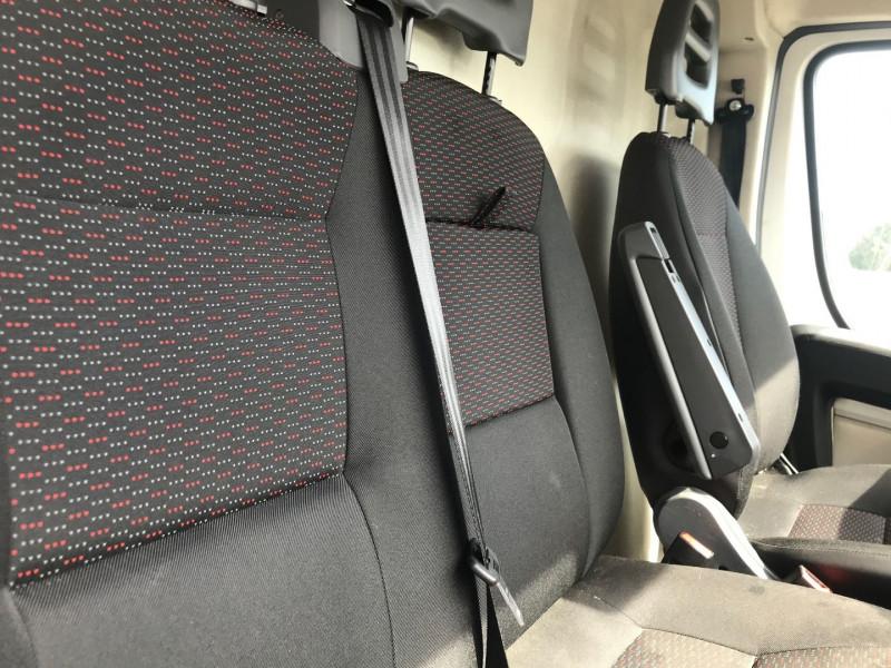 Photo 8 de l'offre de PEUGEOT BOXER FG 333 L2H2 2.2 HDI 130 PACK CLIM à 13900€ chez Brignais automobiles