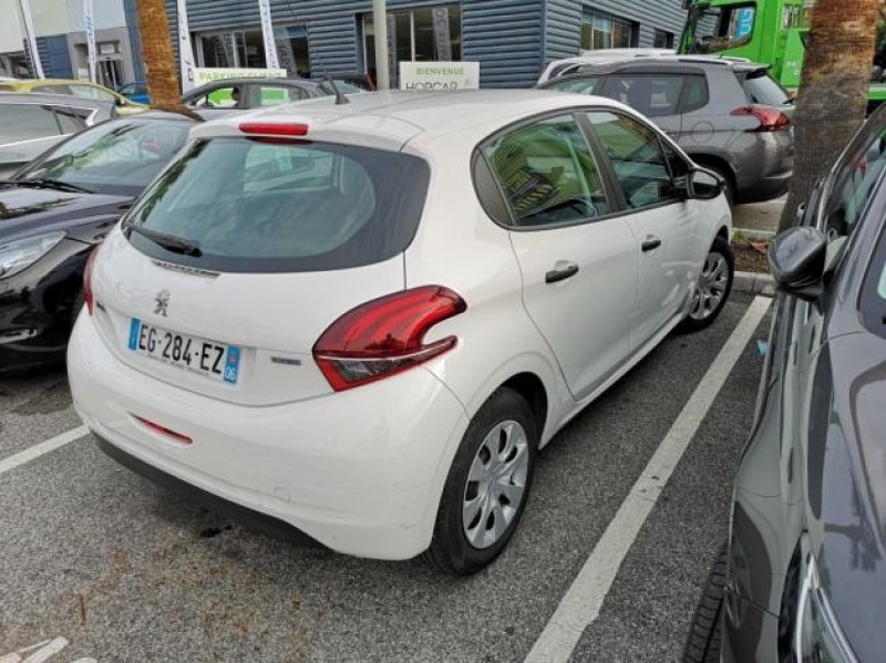 Photo 4 de l'offre de PEUGEOT 208 AFFAIRE 1.6 BLUEHDI 75CH PACK CLIM 5P à 7400€ chez Brignais automobiles