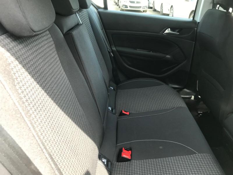 Photo 9 de l'offre de PEUGEOT 308 1.5 BLUEHDI 130CH S&S ACTIVE BUSINESS EAT8 à 16900€ chez Brignais automobiles