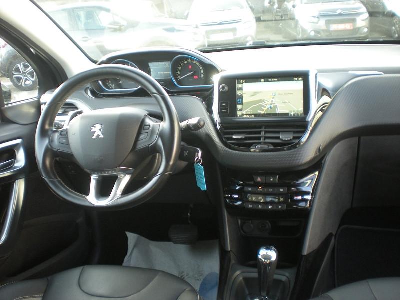 Photo 10 de l'offre de PEUGEOT 2008 1.6 BLUEHDI 100CH ALLURE BUSINESS S&S ETG6 à 11400€ chez Brignais automobiles