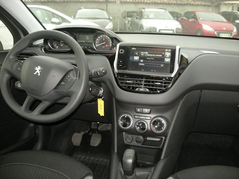 Photo 10 de l'offre de PEUGEOT 208 1.6 BLUEHDI 75CH ACTIVE 3P à 9900€ chez Brignais automobiles