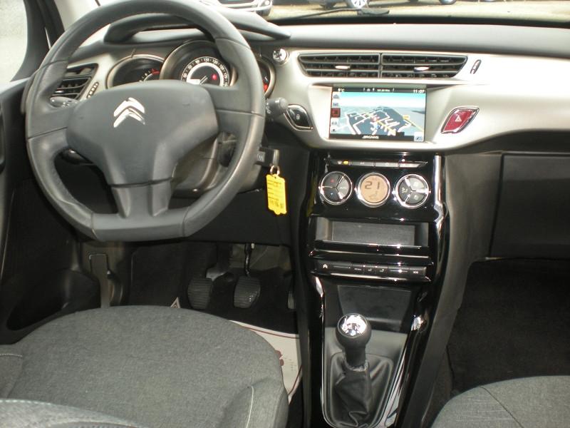 Photo 10 de l'offre de CITROEN C3 BLUEHDI 75 CONFORT BUSINESS S&S 79G à 8900€ chez Brignais automobiles