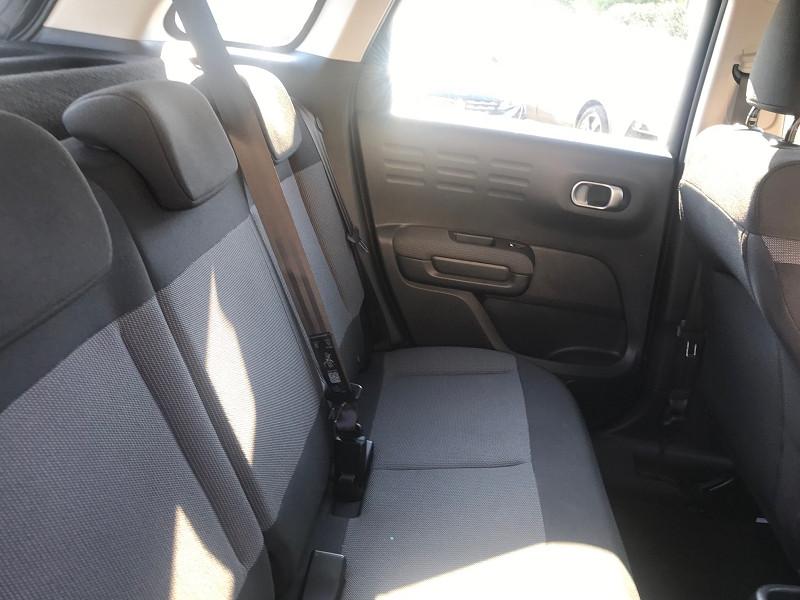 Photo 10 de l'offre de CITROEN C3 AIRCROSS PURETECH 110CH S&S FEEL E6.D-TEMP à 15400€ chez Brignais automobiles