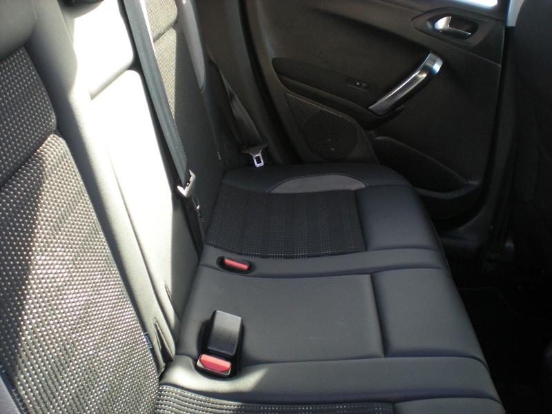 Photo 9 de l'offre de PEUGEOT 2008 1.6 BLUEHDI 100CH ALLURE BUSINESS S&S ETG6 à 11400€ chez Brignais automobiles