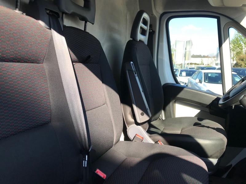 Photo 8 de l'offre de CITROEN JUMPER FG 30 L1H1 2.0 BLUEHDI 110 BUSINESS à 13080€ chez Brignais automobiles