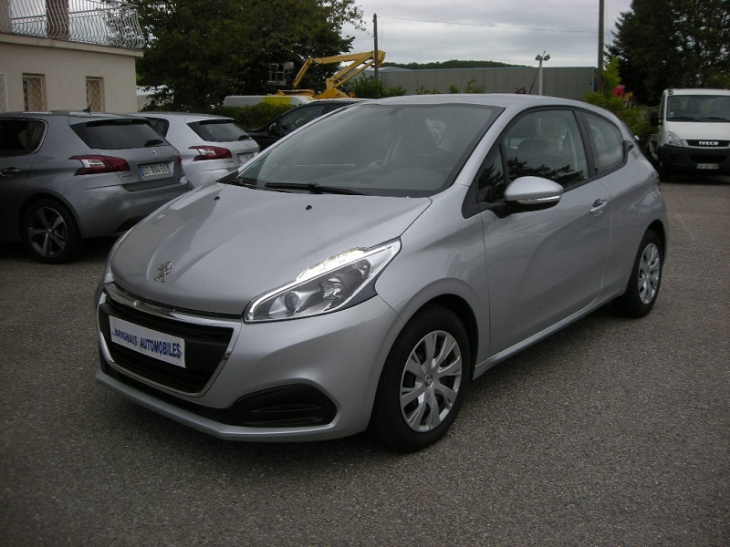 Photo 3 de l'offre de PEUGEOT 208 1.6 BLUEHDI 75CH ACTIVE 3P à 9900€ chez Brignais automobiles