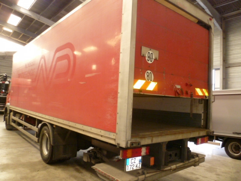 Photo 4 de l'offre de MERCEDES AXOR 1833 NL EURO 5 à 33480€ chez Brignais automobiles