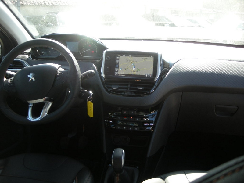 Photo 10 de l'offre de PEUGEOT 2008 1.6 BLUEHDI 100CH CROSSWAY à 14900€ chez Brignais automobiles