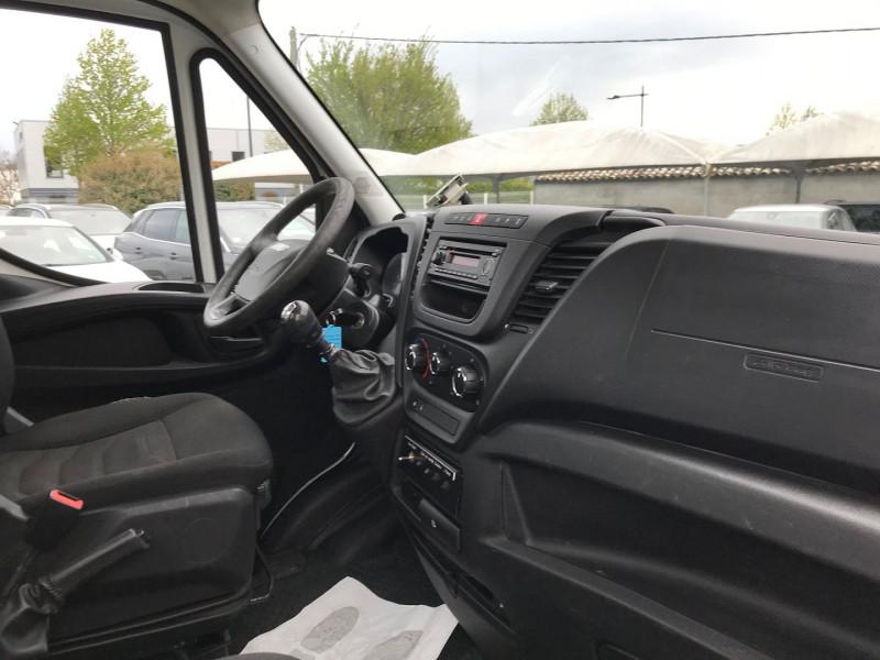Photo 7 de l'offre de IVECO DAILY CCB 35S13 4100  AVEC  NACELLE COMILEV  12M à 27480€ chez Brignais automobiles