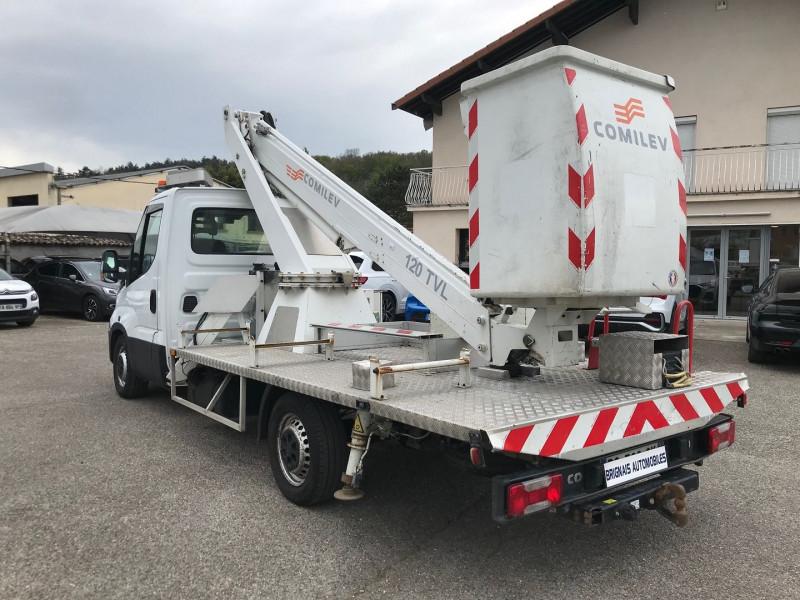 Photo 4 de l'offre de IVECO DAILY CCB 35S13 4100  AVEC  NACELLE COMILEV  12M à 27480€ chez Brignais automobiles