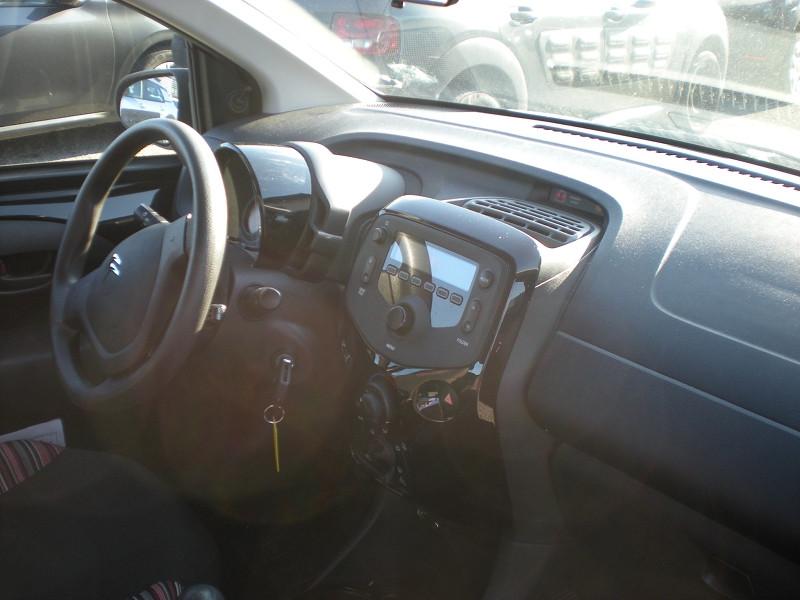 Photo 7 de l'offre de CITROEN C1 VTI 72 FEEL 5P à 9900€ chez Brignais automobiles