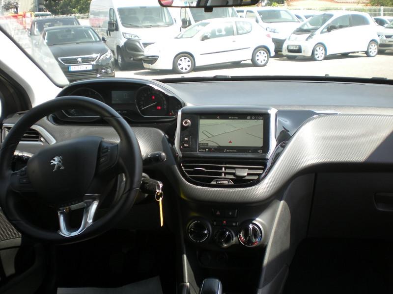 Photo 10 de l'offre de PEUGEOT 2008 1.2 PURETECH 82CH STYLE à 11900€ chez Brignais automobiles