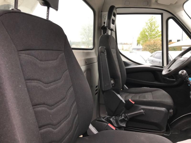 Photo 8 de l'offre de IVECO DAILY CCB 35S13 4100  AVEC  NACELLE COMILEV  12M à 27480€ chez Brignais automobiles