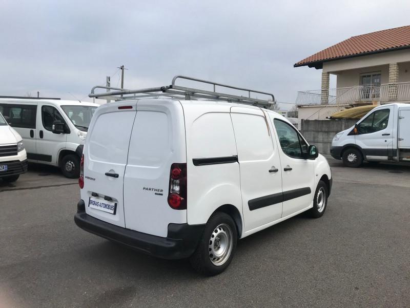 Photo 6 de l'offre de PEUGEOT PARTNER STANDARD 1.6 BLUEHDI 75CH PREMIUM à 10900€ chez Brignais automobiles