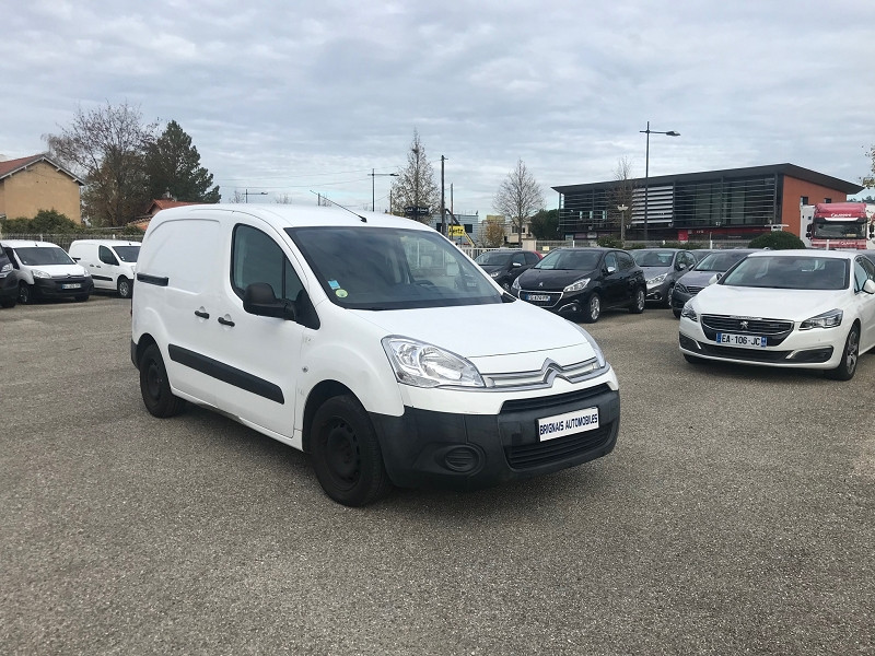 Photo 2 de l'offre de CITROEN BERLINGO 20 L1 1.6 HDI 90 CLUB CAISSE ISOTHERME à 11880€ chez Brignais automobiles