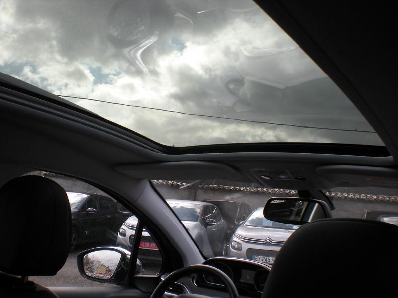 Photo 11 de l'offre de PEUGEOT 2008 1.6 BLUEHDI 100CH FELINE TITANE à 15900€ chez Brignais automobiles