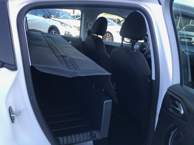 Photo 9 de l'offre de PEUGEOT 208 AFFAIRE 1.6 BLUEHDI 100CH S&S PREMIUM PACK EURO6C à 8990€ chez Brignais automobiles