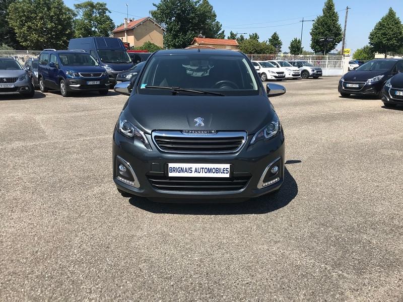 Photo 2 de l'offre de PEUGEOT 108 VTI 72 STYLE 5P à 10900€ chez Brignais automobiles