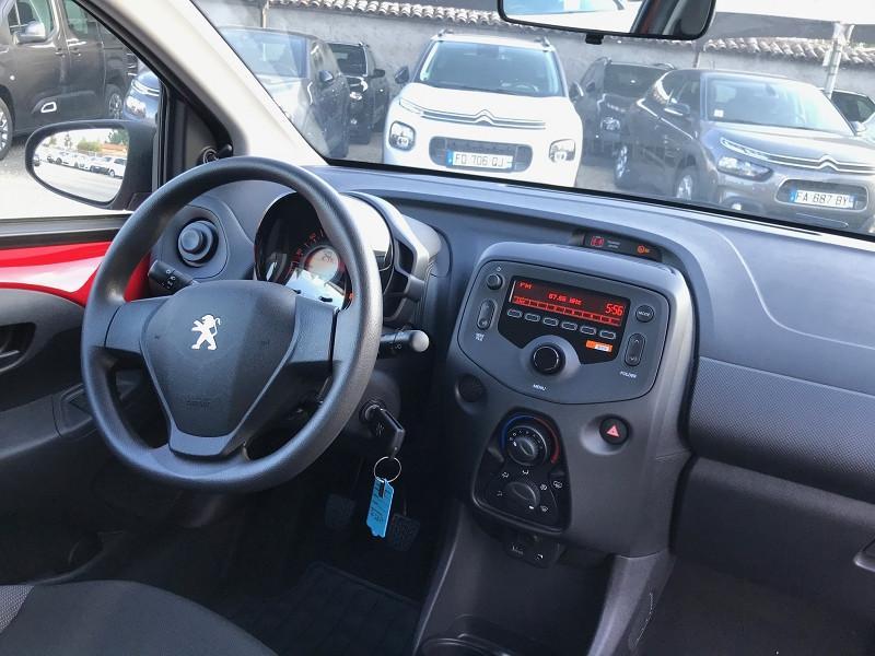 Photo 10 de l'offre de PEUGEOT 108 VTI 72 LIKE S&S 85G 5P à 10500€ chez Brignais automobiles