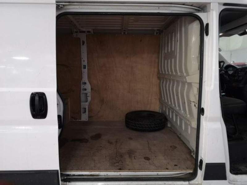 Photo 8 de l'offre de PEUGEOT BOXER FG 330 L2H1 2.2 HDI 110 PACK CD CLIM à 13900€ chez Brignais automobiles