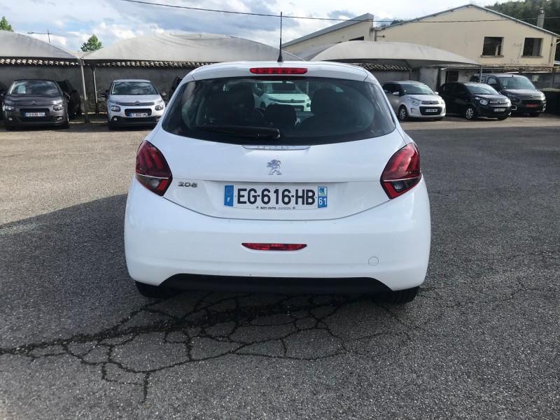 Photo 5 de l'offre de PEUGEOT 208 1.6 BLUEHDI 75CH ACTIVE 5P à 8900€ chez Brignais automobiles