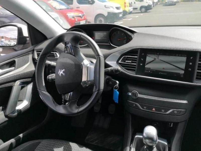 Photo 5 de l'offre de PEUGEOT 308 AFFAIRE 1.5 BLUEHDI 100CH S&S PREMIUM PACK à 12400€ chez Brignais automobiles