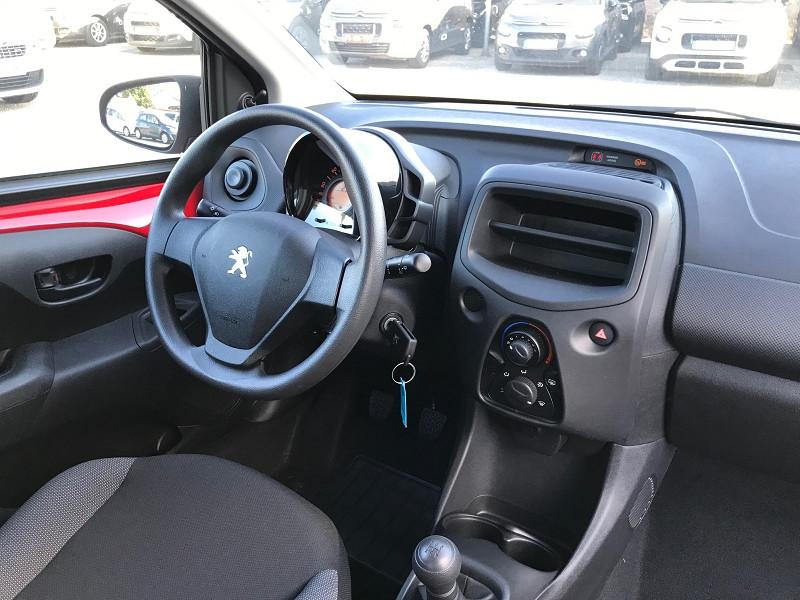 Photo 10 de l'offre de PEUGEOT 108 VTI 72 LIKE S&S 85G 3P à 10200€ chez Brignais automobiles
