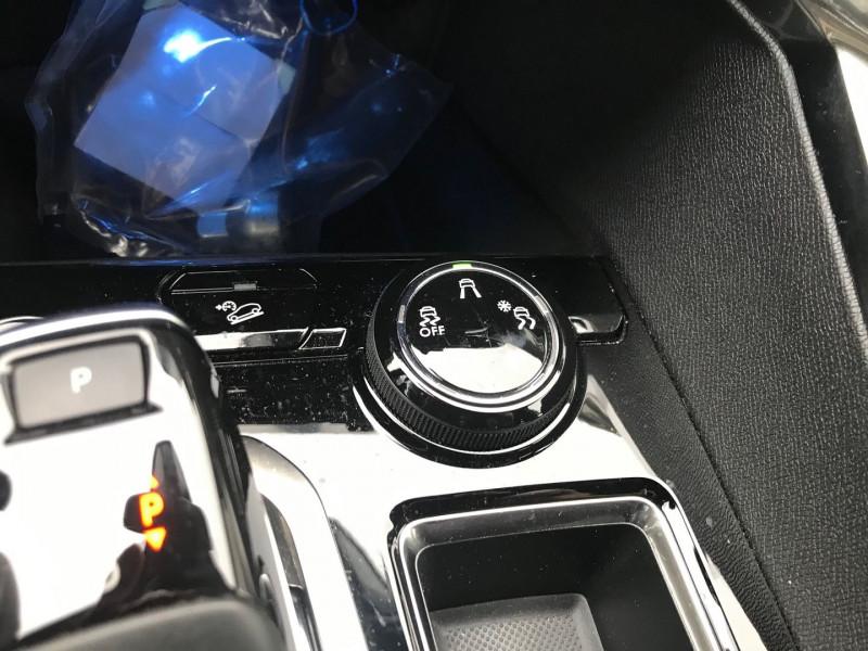 Photo 14 de l'offre de PEUGEOT 3008 2.0 BLUEHDI 180CH S&S GT EAT8 à 37900€ chez Brignais automobiles
