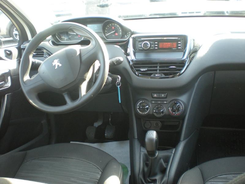 Photo 10 de l'offre de PEUGEOT 208 AFFAIRE 1.6 BLUEHDI 100CH PACK CLIM 5P à 6900€ chez Brignais automobiles