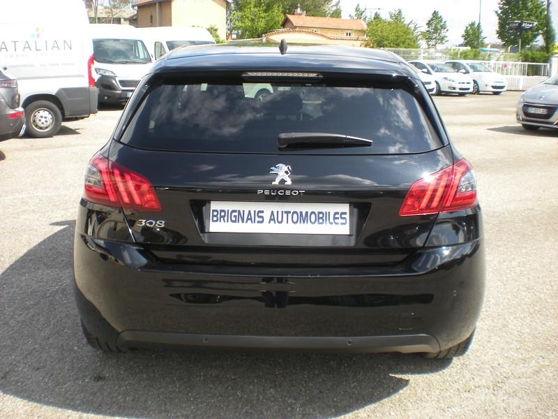 Photo 5 de l'offre de PEUGEOT 308 1.2 PURETECH 110CH E6.C S&S STYLE à 16400€ chez Brignais automobiles