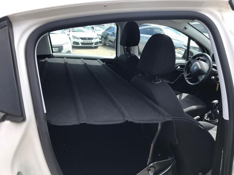 Photo 9 de l'offre de PEUGEOT 208 AFFAIRE 1.6 BLUEHDI 100CH PACK CLIM 5P à 6400€ chez Brignais automobiles