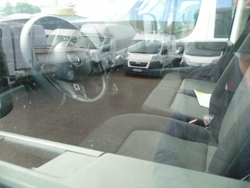 Photo 5 de l'offre de VOLKSWAGEN CRAFTER FG 35 L3H3 2.0 TDI 140CH BUSINESS LINE TRACTION à 20280€ chez Brignais automobiles