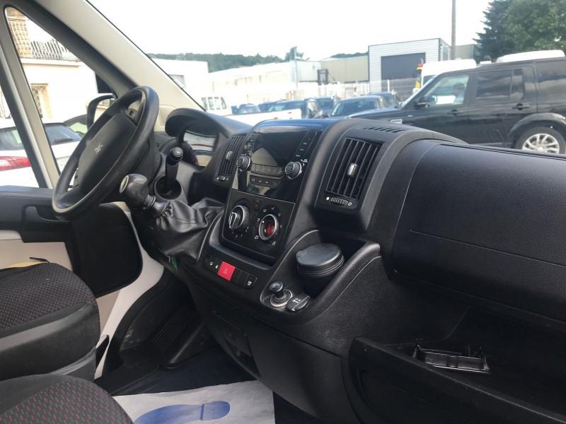 Photo 7 de l'offre de PEUGEOT BOXER FG 335 L2H2 2.2 HDI 110 CABINE APPROFONDIE CONFORT à 10900€ chez Brignais automobiles
